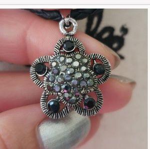 Jewelry - Silver & black necklace,choker style